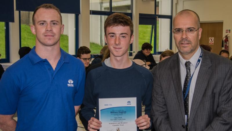 William wins prize for science project