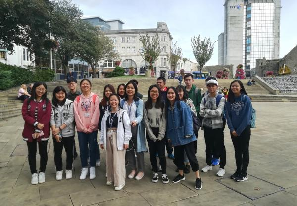 New International students enjoy the city centre experience