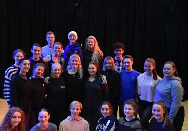 College welcomes 'Mary Poppins'