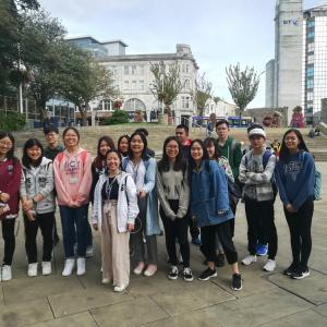 New International students enjoy the city centre experience